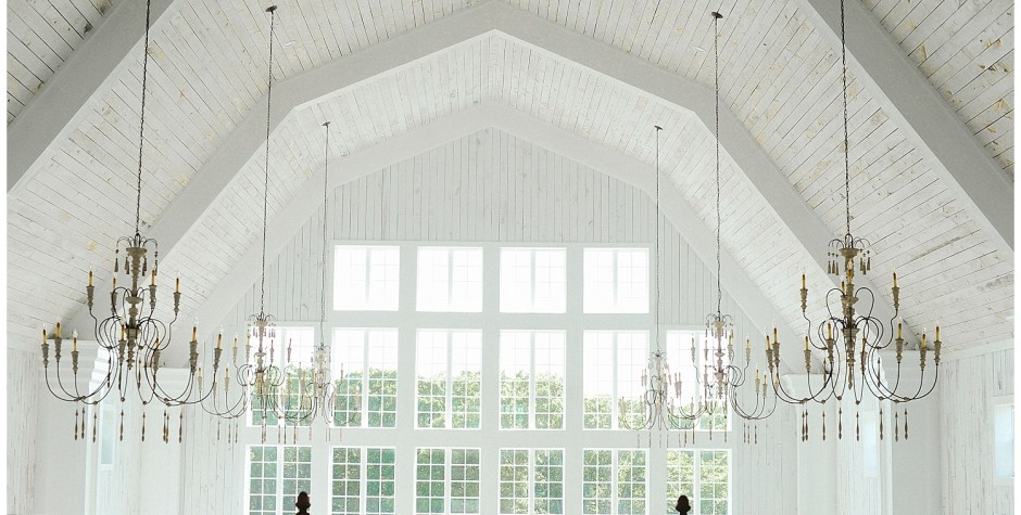 Dallas Barn Wedding Venue | Inside The White Sparrow Barn
